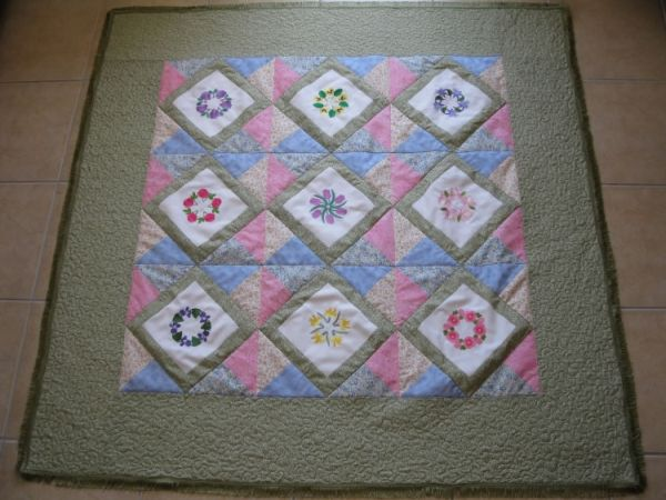 Aljay Wreaths with Mini Quilt -3