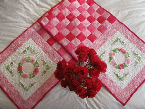 Aljay Mini Set 16 In the Pink with Quilted Throw -3
