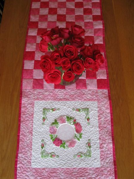 Aljay Mini Set 16 In the Pink with Quilted Throw -4