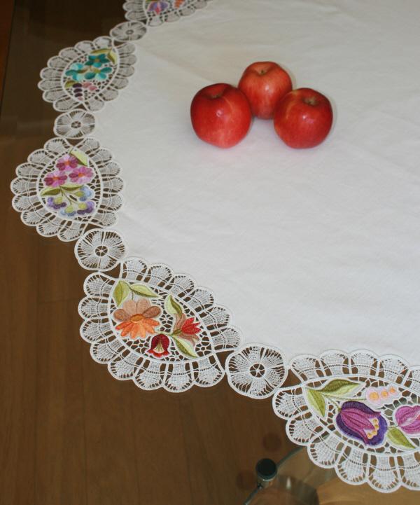 Table Cloth Victoria-3