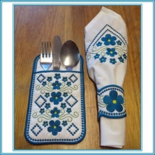 ITH Forget-Me-Not Cutlery Pouch with Extras
