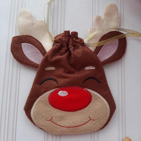 Reindeer Drawstring Bags-11