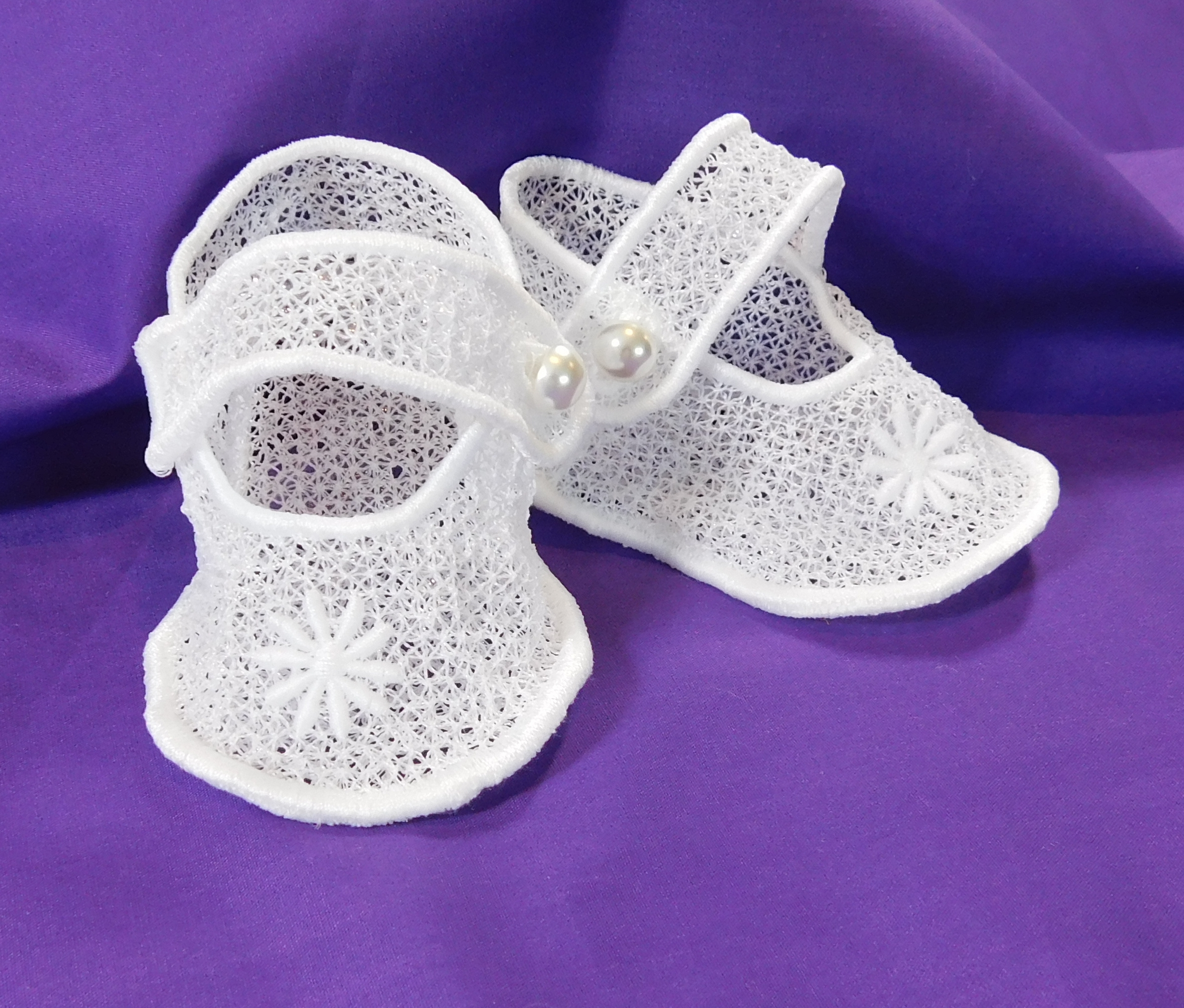 Freestanding Lace Baby Booties-3