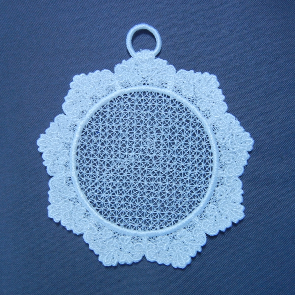 Freestanding Lace Trim & Medallion-3