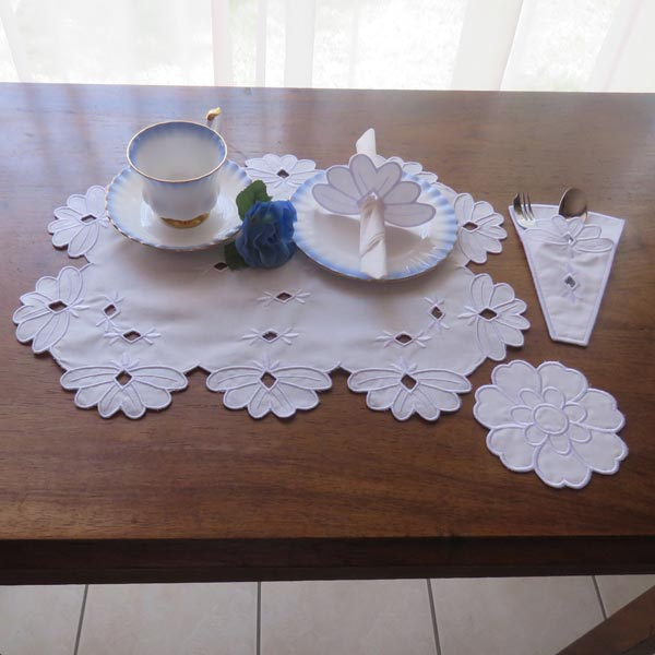 Teatime Cutwork set