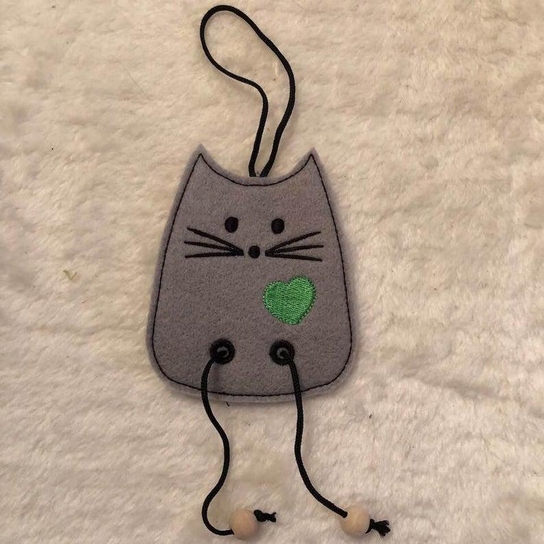 NNC ITH Cat Dangler-4