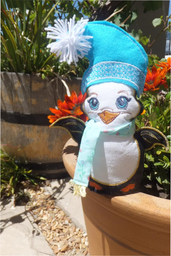 ITH Christmas Penguin