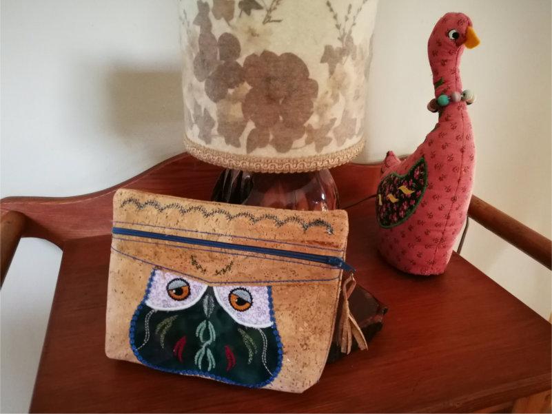 Cork Purse With Owl Applique-7