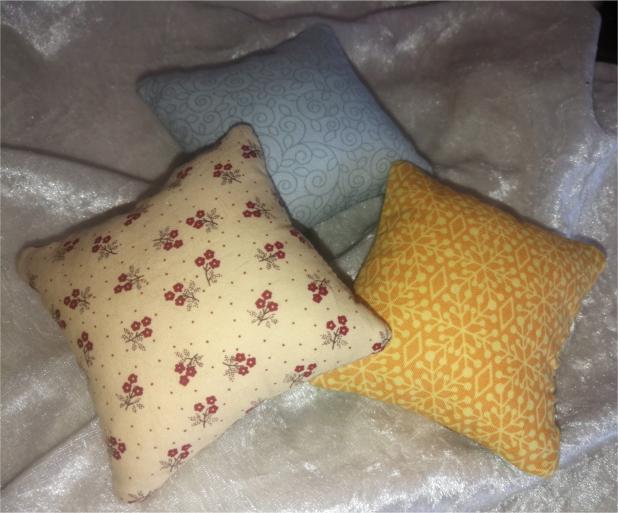 One Hooping Cute Pin Cushions-4