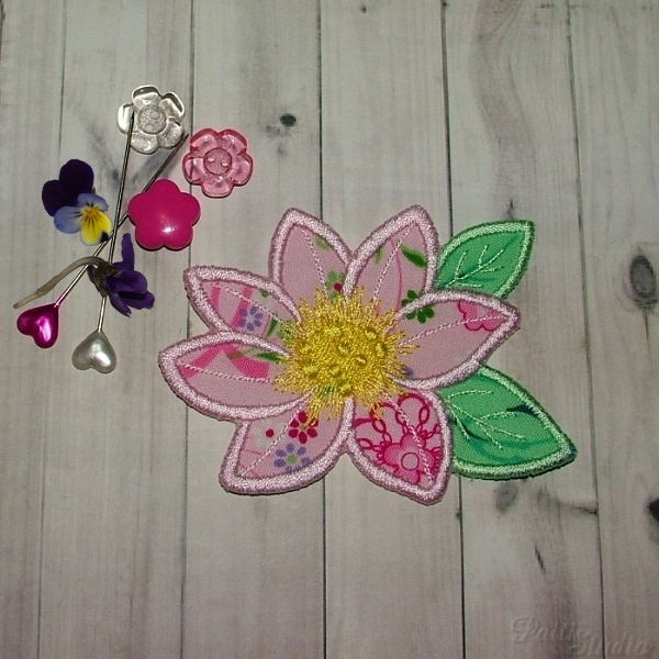 Applique Flowers 2-22