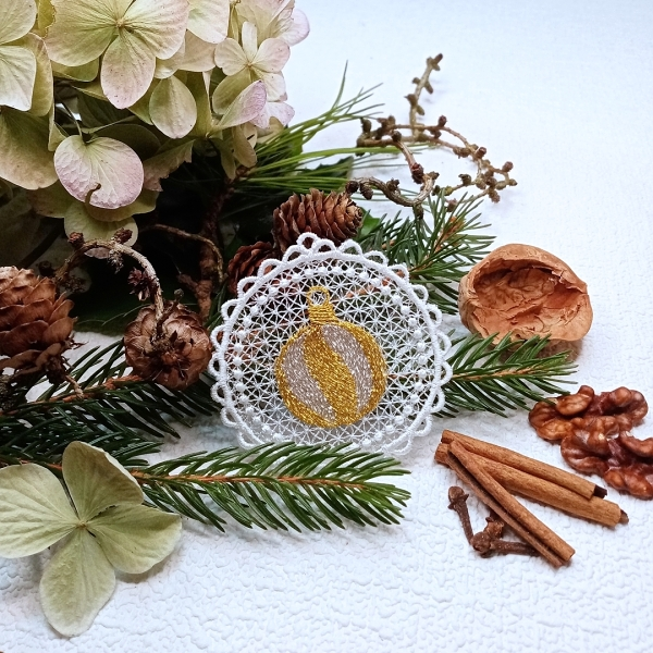 free-standing FSL lace christmas xmas holiday ball bauble silver gold