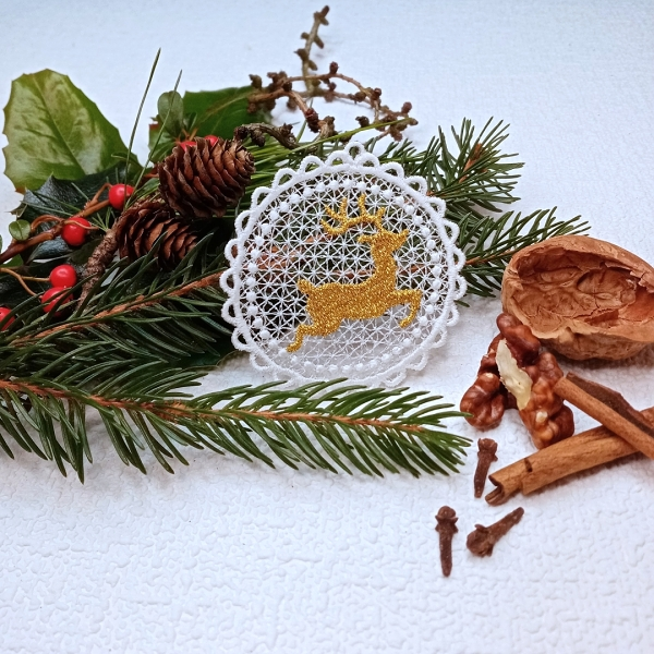 free-standing FSL lace christmas xmas holiday gold reindeer