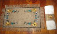 ITH Burlap Placemat & Napkin Ring