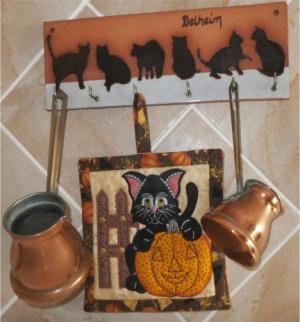 ITH Kitty and Pumpkin Potholderor Mug Rug