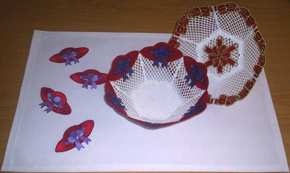 FSL Bow And Red Hat Bowls