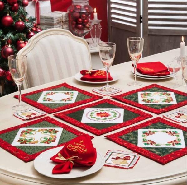Christmas Decor Table Setting