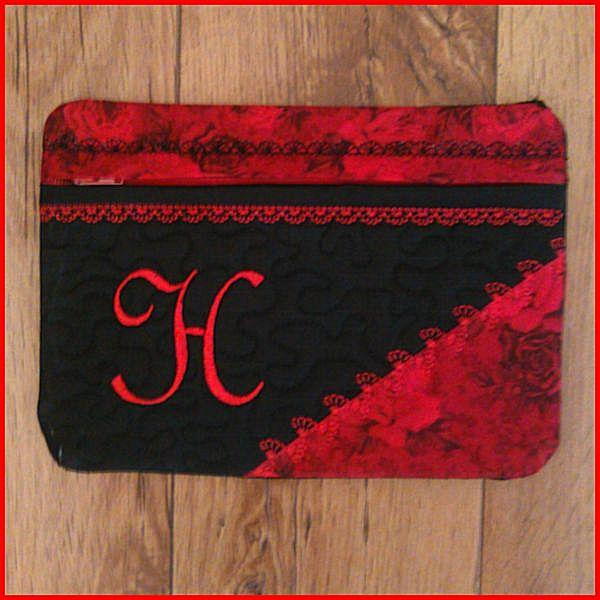 Large Make Up Bag/Pencil Case - In-the-hoop