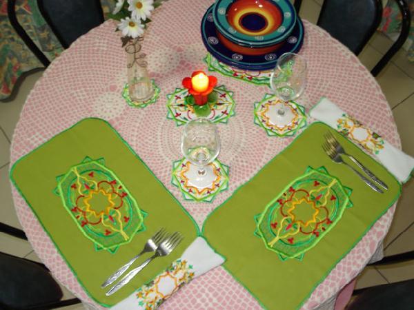 Arabesque Table Setting