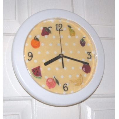 Jacobean Fruits Clock