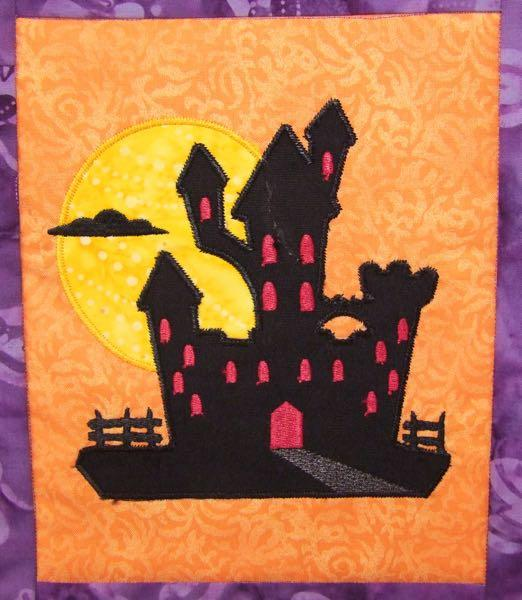 Happy Halloween Wall Hanging